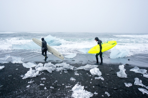 chris-burkard-icelandic-surfing-series08