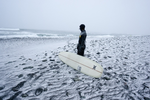 chris-burkard-icelandic-surfing-series10