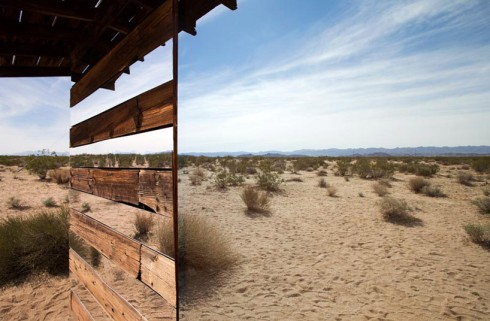 lucid-stead-mirrors-the-joshua-tree-desert-designboom-06